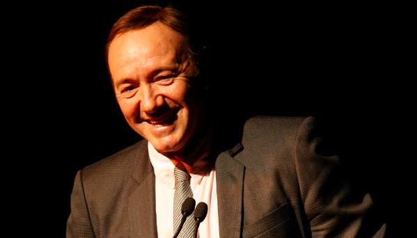 Kevin Spacey shares a joke with the audience