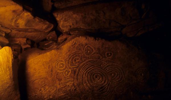 Carvings on the Cairn L (Photo: carrowkeel.com)