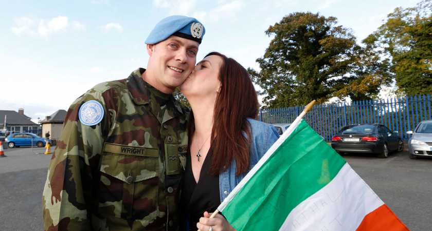 07/10/2015. Irish Troops Return Home. Pictured is Cathal Wright and his partner Laura Porter from Donegal as Irish Troops as Return Home to Baldonnell Airport After Completing Six Month Deployment to the Golan Heights. Photo: RollingNews.ie