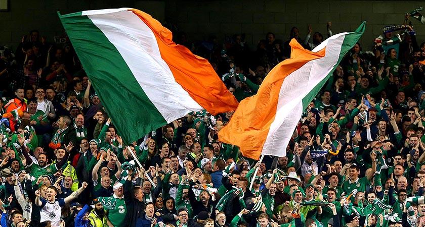 UEFA 2016 European Championship Play-Off 2nd Leg, Aviva Stadium, Dublin 16/11/2015 Republic of Ireland vs Bosnia-Herzegovina Ireland supporters celebrate at the end of the game Mandatory Credit ©INPHO/Donall Farmer