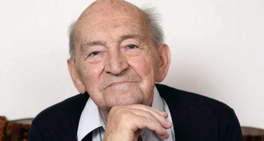 Portrait of an old senior man thinking
