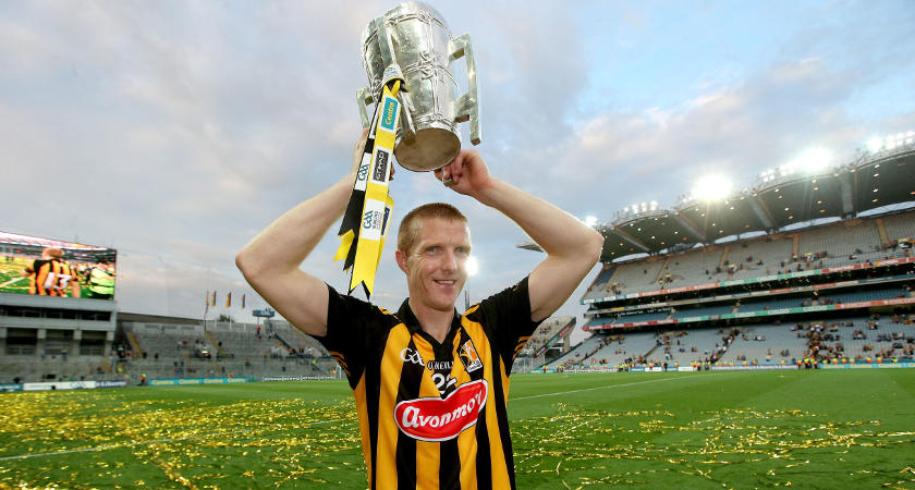 Henry Shefflin celebrates with The Liam McCarthy Cup in 2014 [Mandatory Credit ©INPHO/Ryan Byrne]