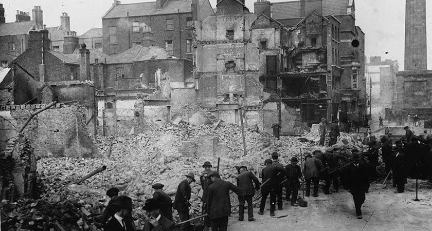 3rd May 1916:  Volunteers clearing debris in Dublin after the Easter Rising.  (Photo by Topical Press Agency/Getty Images)