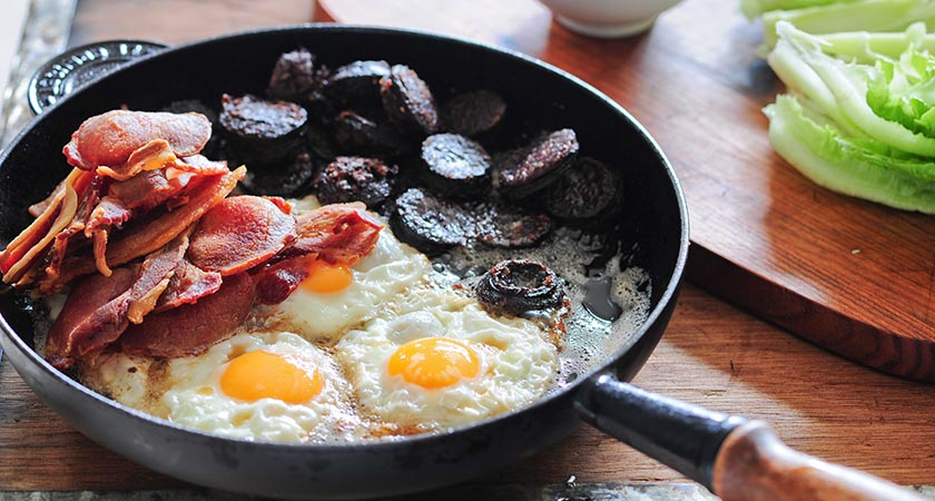 Eating breakfast 'not a good strategy' for weight loss