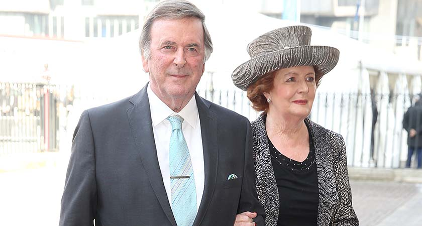 LONDON, ENGLAND - MARCH 13:  Sir Terry Wogan and Lady Helen Wogan attend a memorial service for Sir David Frost at Westminster Abbey on March 13, 2014 in London, England.  (Photo by Chris Jackson/Getty Images)