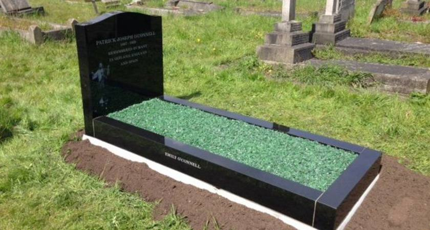 Patrick O'Connell's freshly restored grave in Kilburn [Picture: @PatricioFund via Twitter]
