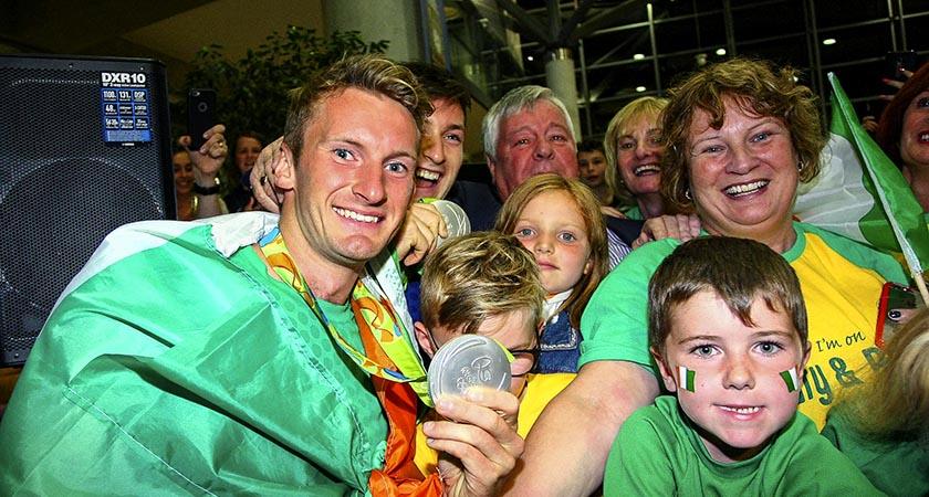 Gary O'Donovan greet fans from Skibbereen at Cork Airport