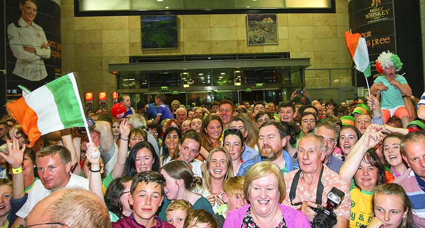 Hundreds of fans attending the homecoming at Cork Airport (Credit ©INPHO/Ken Sutton)