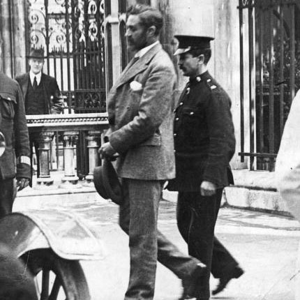 Casement being lead to the gallows. (Source: Hulton Archive/Getty)