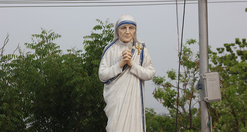 Statue in St. Thomas Mount, India [Via: Wikipedia Commons]