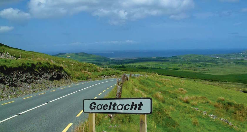 medium-Gaeltacht-Sign-Large-gaeltacht-community