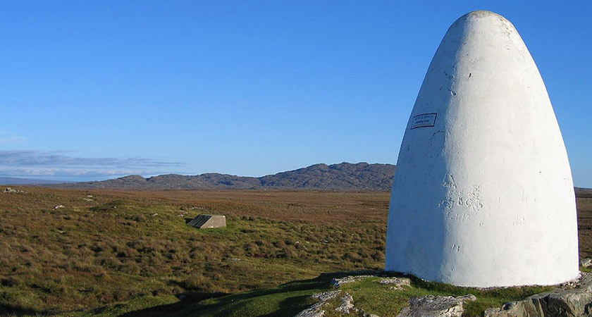 Memorial to Alcock and Brown near Clifden, Co. Galway [Picture: Wikipedia Commons]