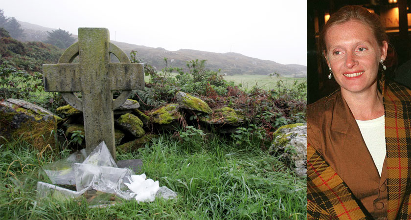 A memorial headstone to Sophie Toscan du Plantier, right, outside Toormoor on the Mizen Peninsula [Image: RollingNews.ie]