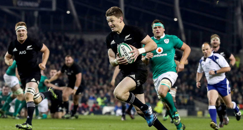 New Zealand's Beauden Barrett on his way to scoring a try Mandatory Credit ©INPHO/Tommy Dickson