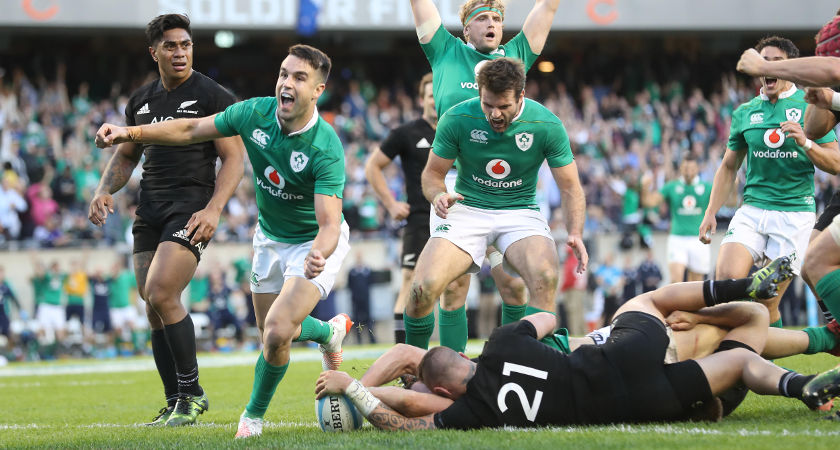 Ireland's Conor Murray celebrates Robbie Henshaw's try [©INPHO/Billy Stickland]