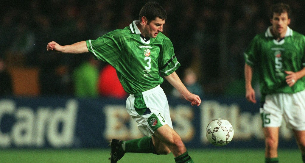 Euro 2000 Play-off first leg 13/11/1999 Republic of Ireland Denis Irwin ©INPHO/Billy Stickland