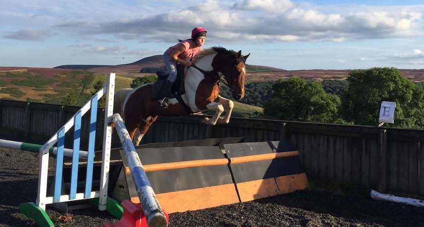 laura-riding2