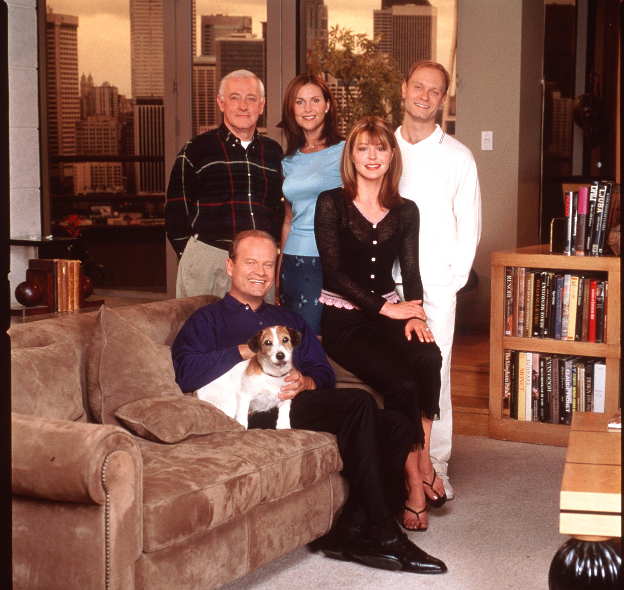 10/99 Kelsey Grammer Peri Gilpin Jane Leeves John Mahoney and David Hyde Pierce stars in the NBC series