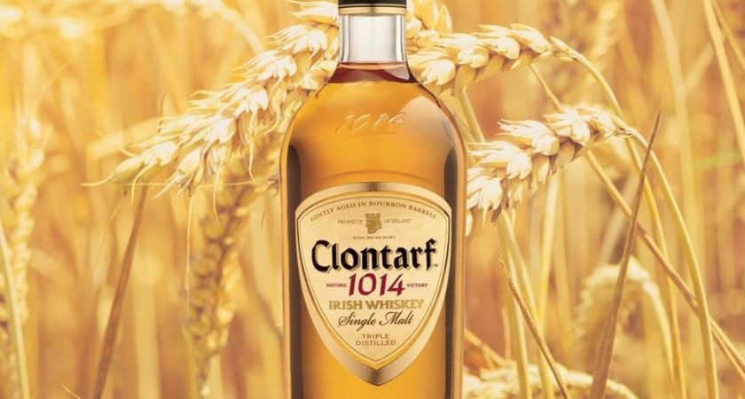 Clontarf 1014 whiskey.