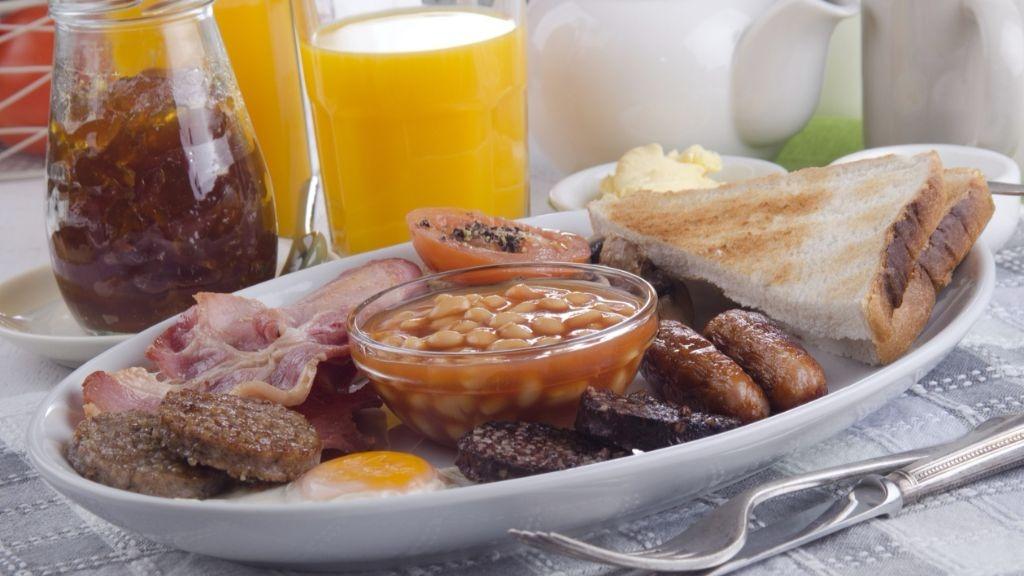 Eating breakfast burns calories