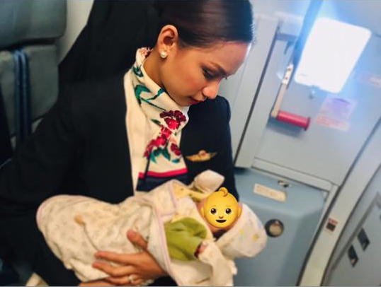 Flight attendant praised for breastfeeding stranger's baby mid-flight.
