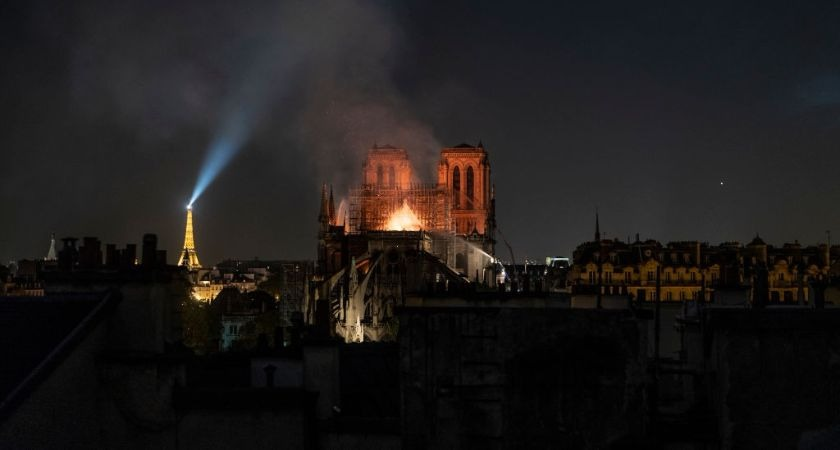'It was like a wake' – Irish cleric who witnessed Notre Dame fire describes unfolding drama.