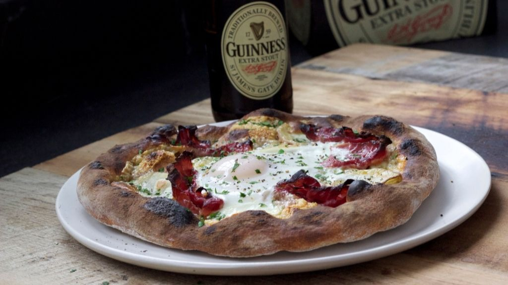 This Guinness Irish Breakfast Pizza recipe is a little slice of heaven.