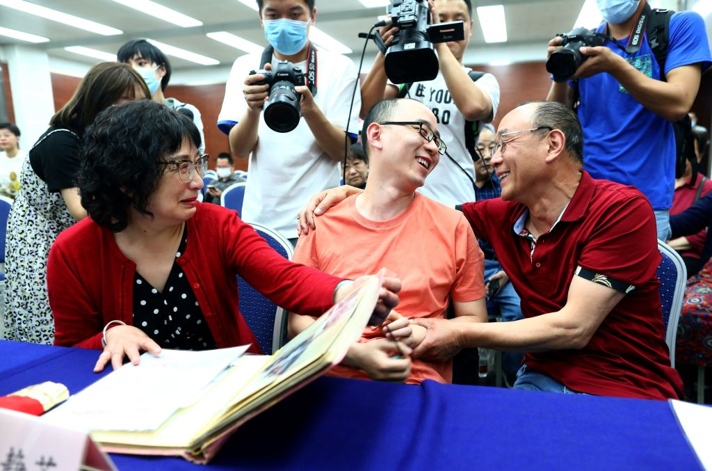 After 32 years, Chinese couple reunited with abducted son